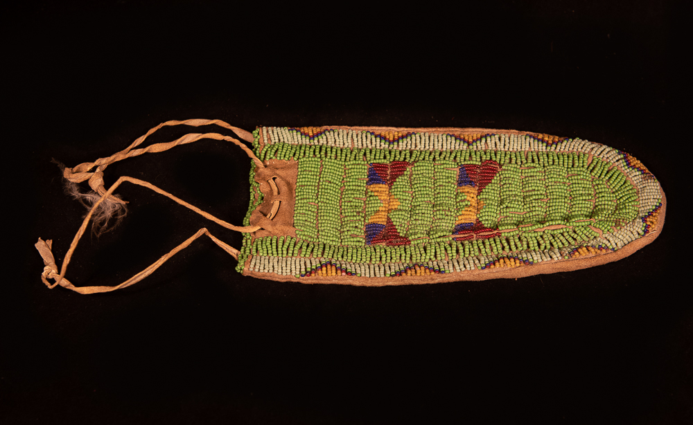 Plains beaded bag, possibly Ute
